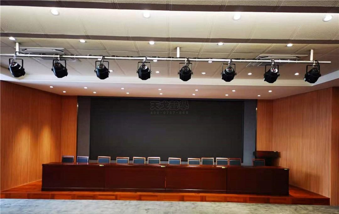 广西南宁市第三中学报告厅-2